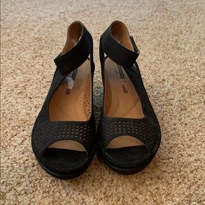Clark black wedges women's size 8.5